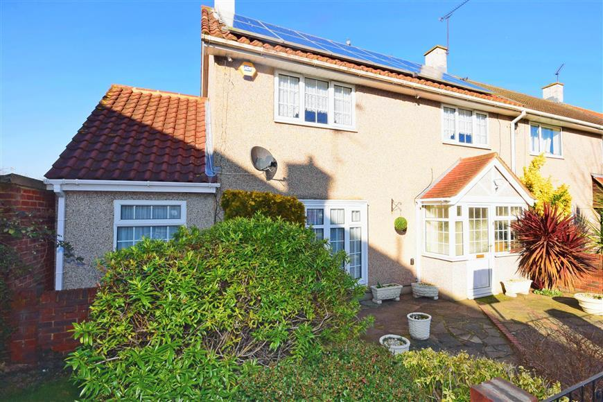3 Bedrooms Terraced House for sale in Marney Drive, Basildon, Essex