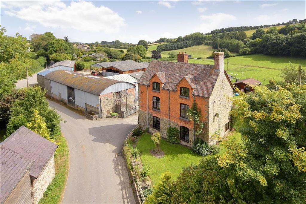 5 Bedrooms Country House Character Property