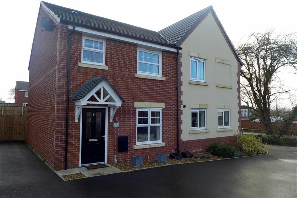 3 Bedrooms Semi Detached House for sale in Apple Drive, Shavington, Crewe
