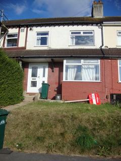 4 bedroom terraced house to rent - Bevendean Crescent, Brighton