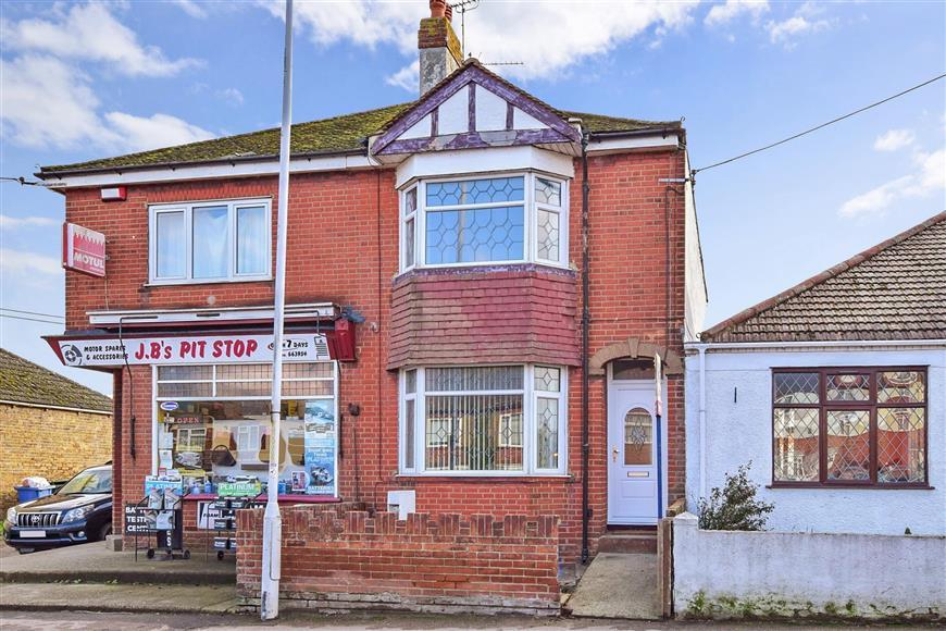 2 Bedrooms Semi Detached House for sale in Minster Road, Minster On Sea, Sheerness, Kent