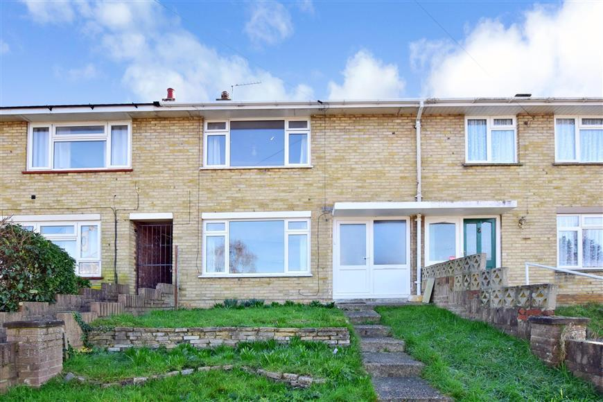 2 Bedrooms Terraced House for sale in Millbrook Drive, Havant, Hampshire