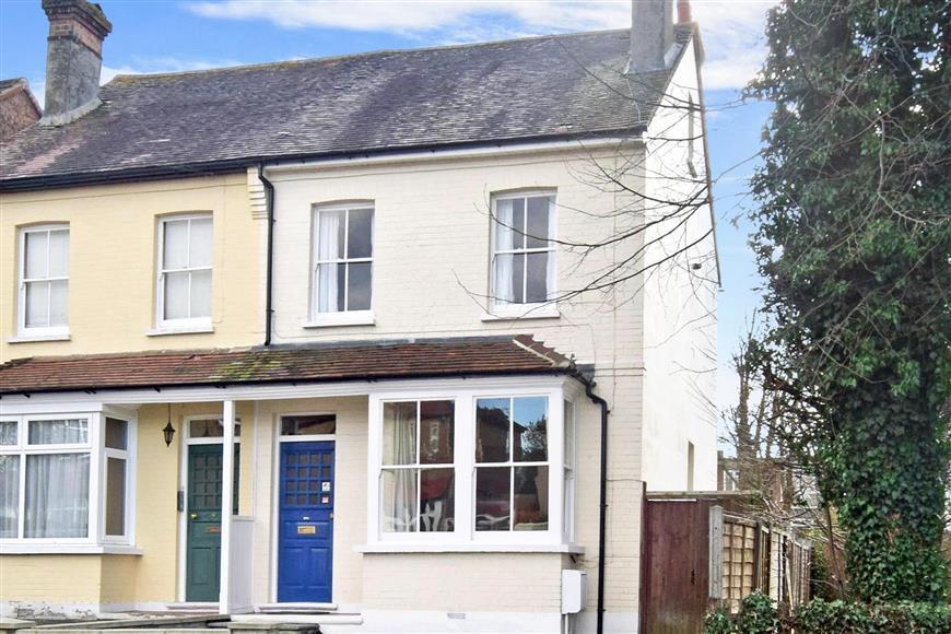 3 Bedrooms Semi Detached House for sale in Pelton Avenue, Sutton, Surrey