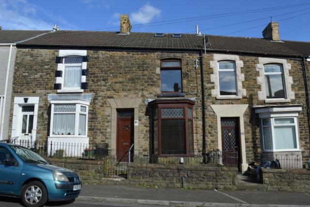 2 Bedrooms Terraced House for rent in Iorwerth Street, Manselton, Swansea. SA5 9NP