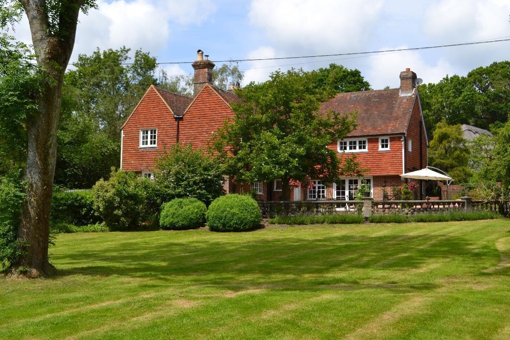 5 Bedrooms Detached House for sale in Kent Street Sedlescombe, Battle