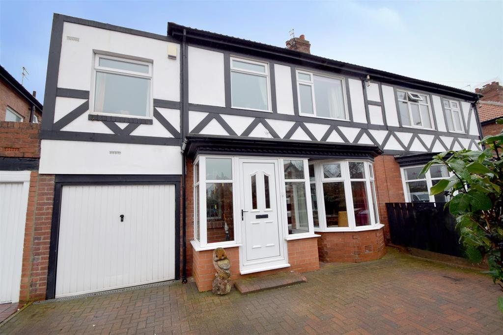 4 Bedrooms Semi Detached House for sale in Beverley Road, Monkseaton