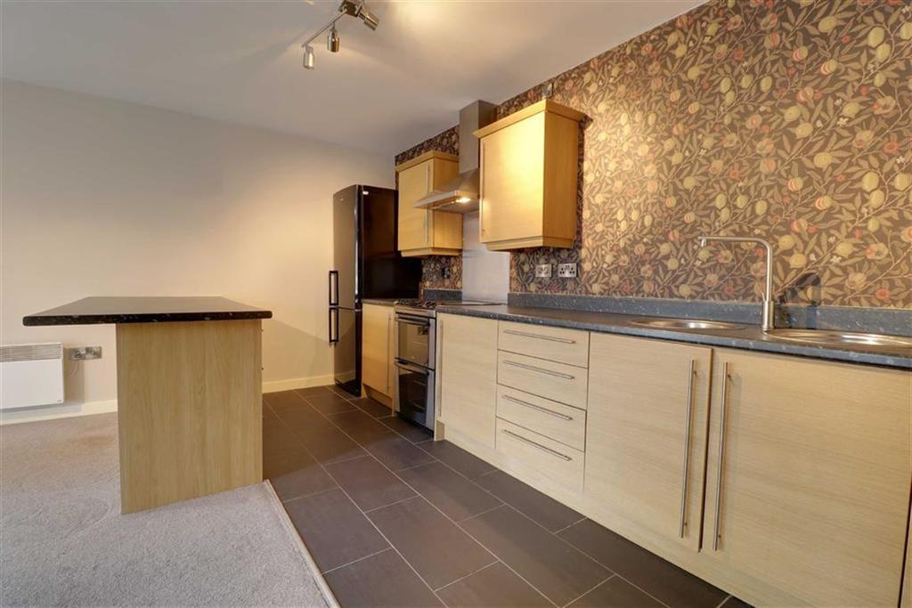 2 Bedrooms Flat for sale in Sandpipers Rope Walk, Congleton