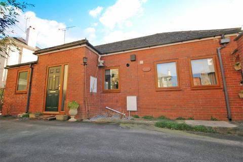 2 bedroom detached bungalow for sale - St Lukes Road, Cheltenham