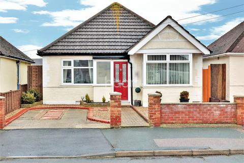 2 bedroom bungalow for sale - Clacton-On-Sea Town Centre