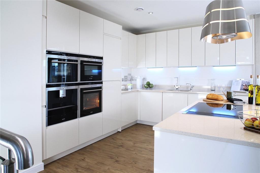 2 Bedrooms Penthouse Flat for sale in 339, The Santos, Lymington Shores, Bridge Street, Lymington, SO41