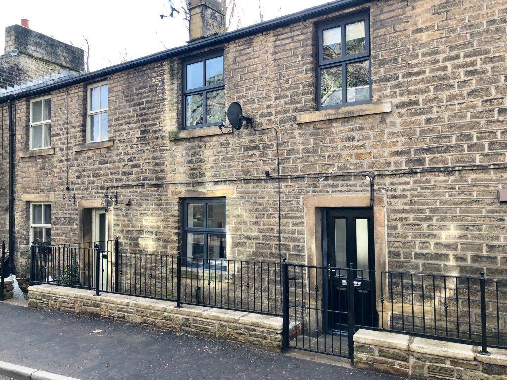 2 Bedrooms Terraced House for rent in New Mill Road, Brockholes, Holmfirth