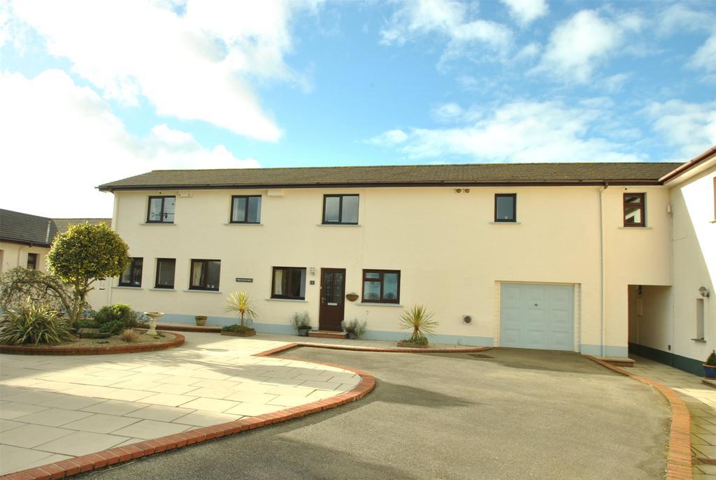 4 Bedrooms Terraced House for sale in Park Court, Kilkhampton