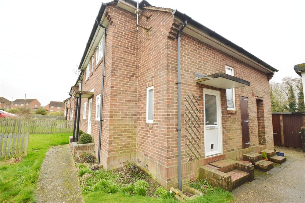 3 Bedrooms Flat for sale in Grange Road, Petersfield, Hampshire