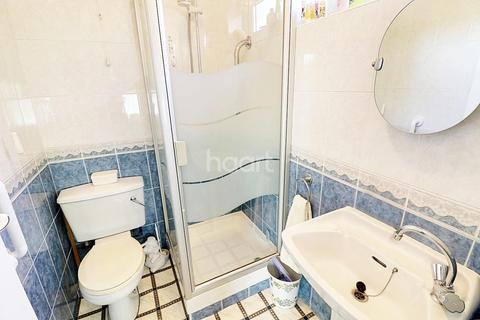 3 bedroom end of terrace house for sale - Maypole Crescent, Hainault