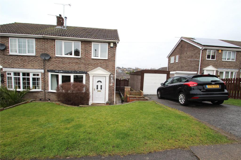 3 Bedrooms Semi Detached House for sale in Bexhill Close, Pontefract, WF8