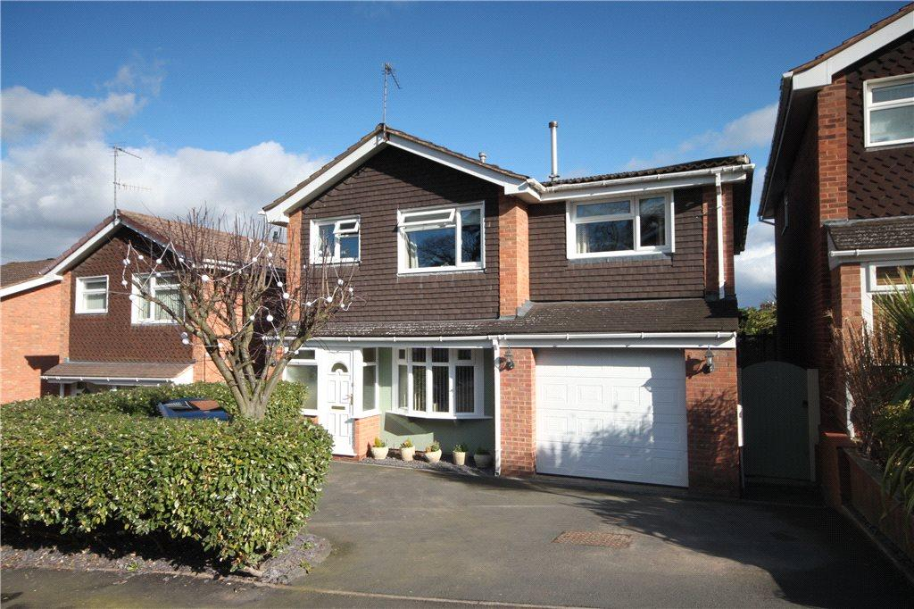 5 Bedrooms Detached House for sale in Pineridge Drive, Kidderminster, DY11