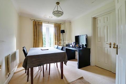 4 bedroom detached house for sale - Compton Avenue, Wembley