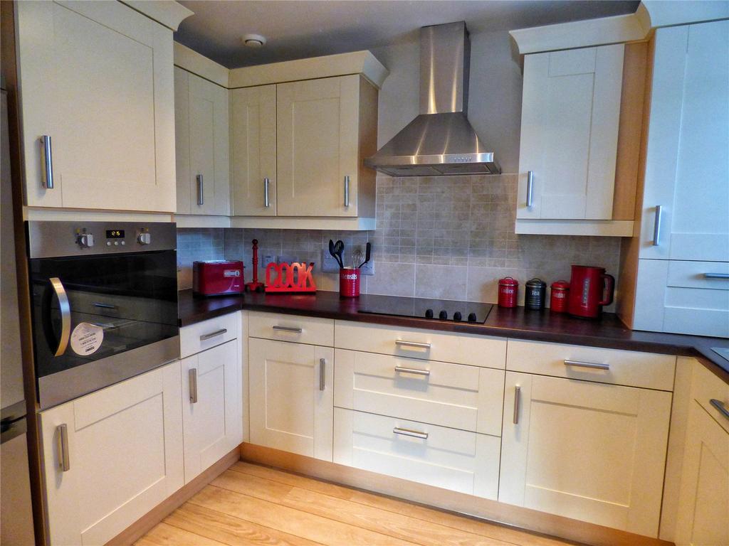 2 Bedrooms Retirement Property for sale in Apt 5 Arrowsmith House, Larmenier Village, Blackburn, Lancashire, BB2