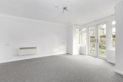 Studio to rent - Homesdale Road Bromley BR2