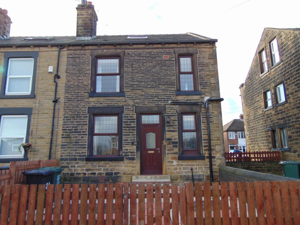 2 Bedrooms Terraced House for rent in Springfield Lane, Morley, Leeds