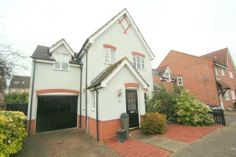 3 Bedrooms Detached House for sale in Carpenters Drive, Great Notley
