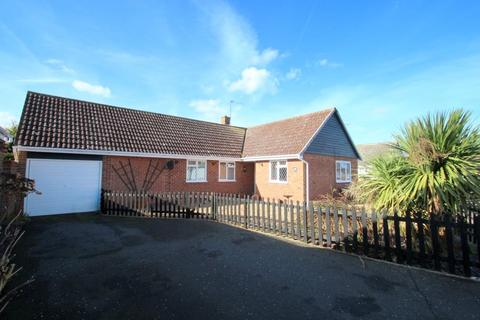 3 bedroom detached bungalow for sale - Spruce Close, West Mersea