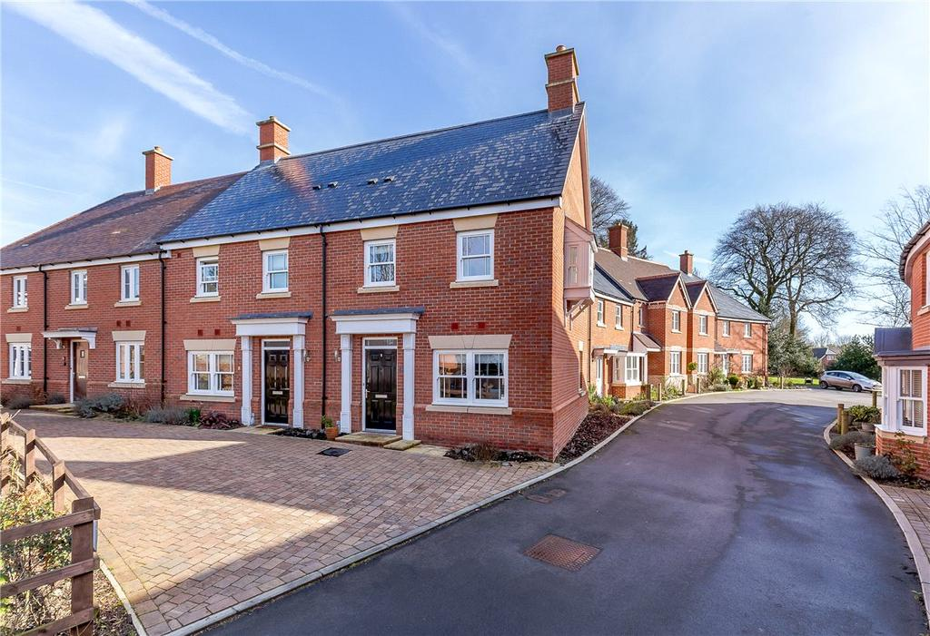 3 Bedrooms End Of Terrace House for sale in Whatley Drive, Pewsey, Wiltshire, SN9
