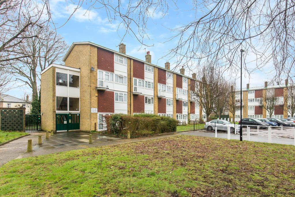 2 Bedrooms Maisonette Flat for sale in Academy Gardens, Addiscombe, Croydon, CR0 6QN
