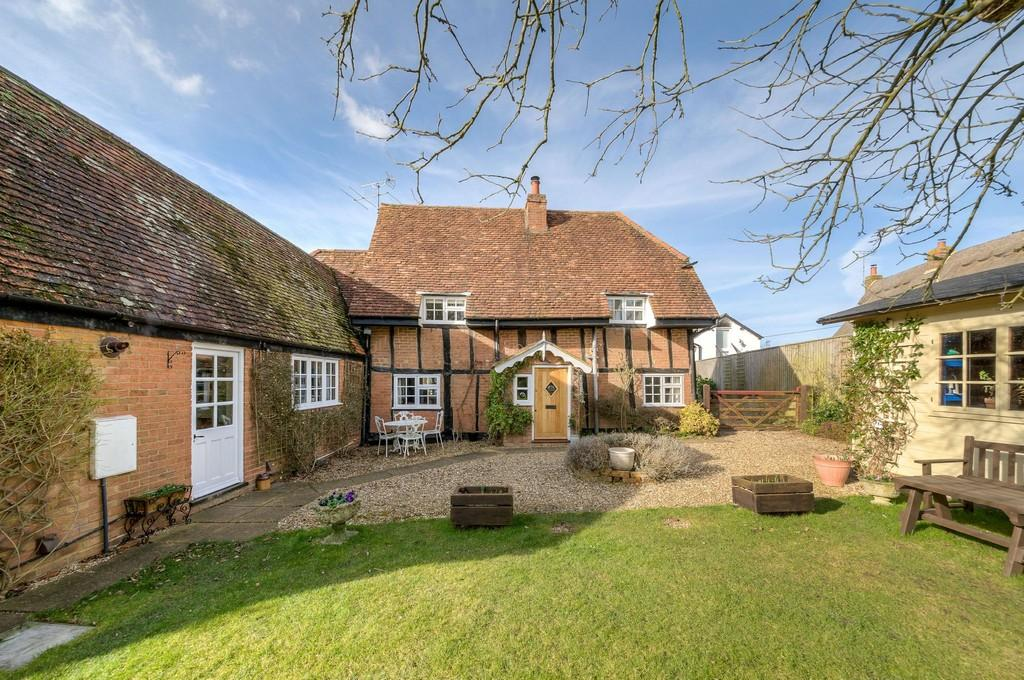 3 Bedrooms Detached House for sale in The Green, Little Horwood