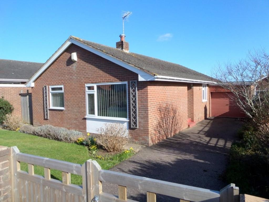 3 Bedrooms Detached Bungalow for sale in 52 Brixington Lane