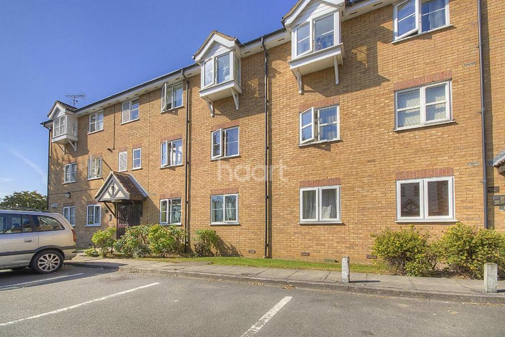2 Bedrooms Flat for sale in Vicars Bridge Close, Wembley