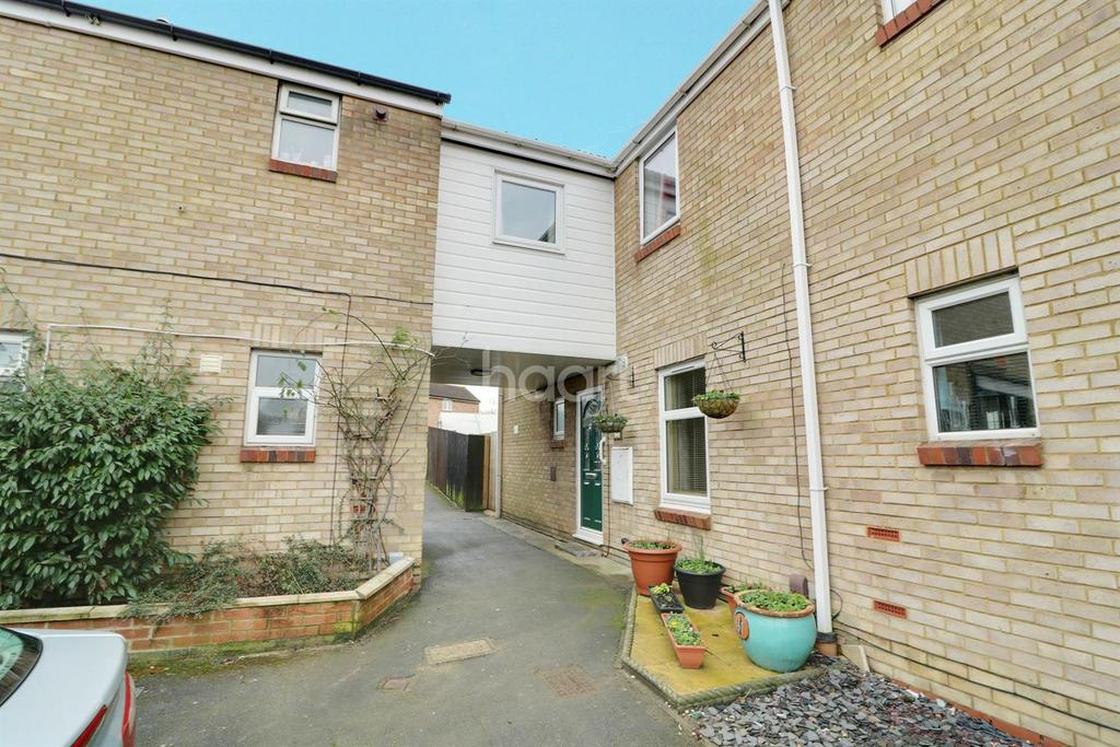 4 Bedrooms Semi Detached House for sale in Stamford Close, Toothill, Swindon