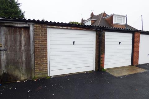 1 bedroom parking to rent - To the rear of 357-363 Rayleigh Road, Thudnersley, Essex