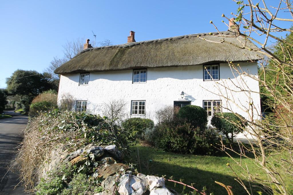 3 Bedrooms Cottage House for sale in Moons Hill, Isle of Wight