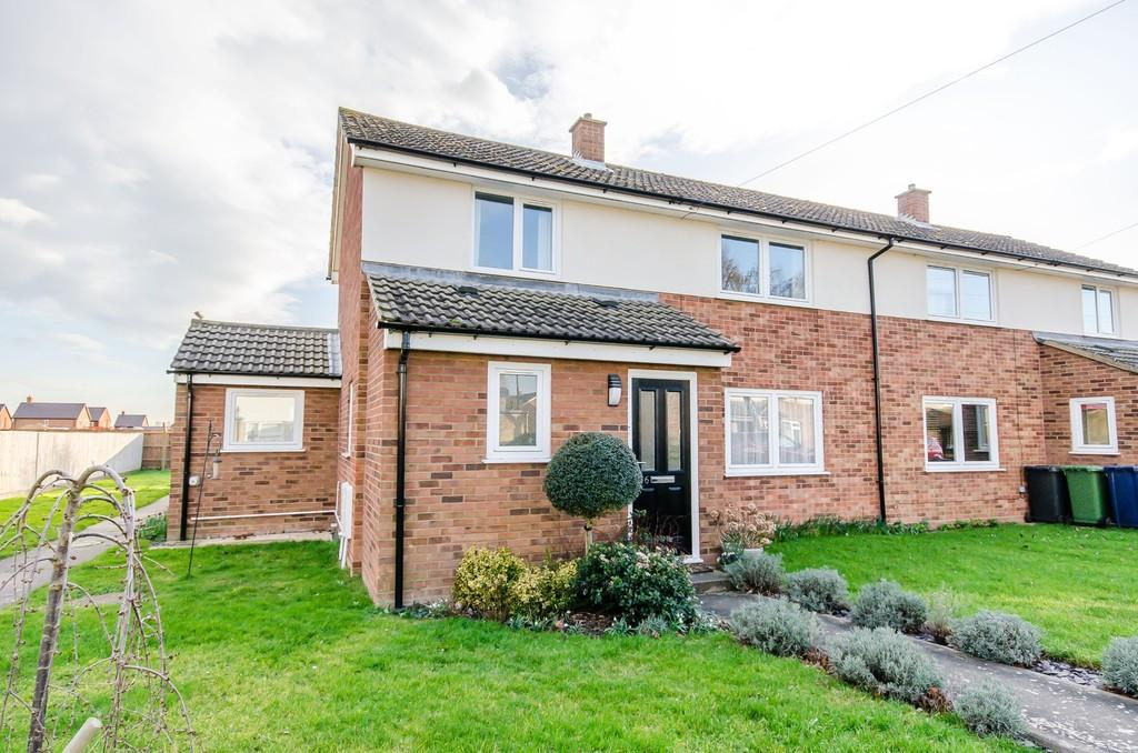 3 Bedrooms Semi Detached House for sale in Kirby Road, Waterbeach