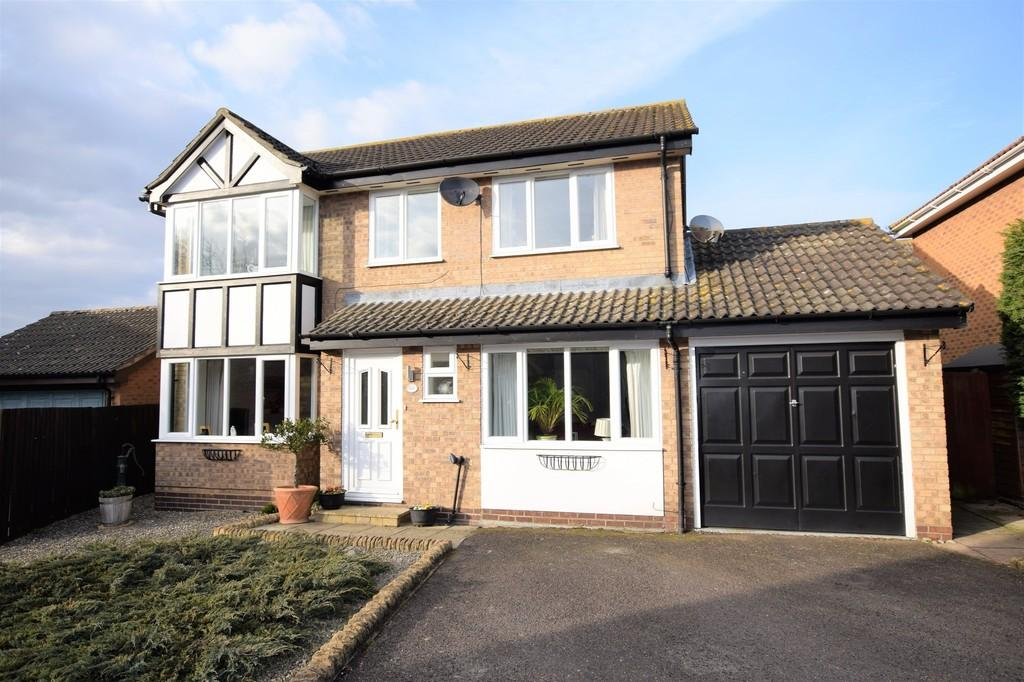 4 Bedrooms Detached House for sale in Eldred Drive, Great Cornard, Sudbury CO10 0YZ