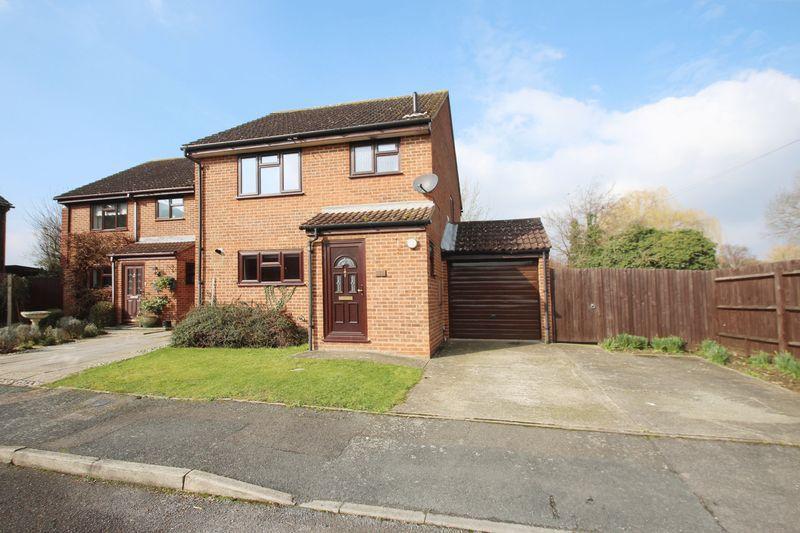 3 Bedrooms Link Detached House for sale in Hawden Close, Tonbridge