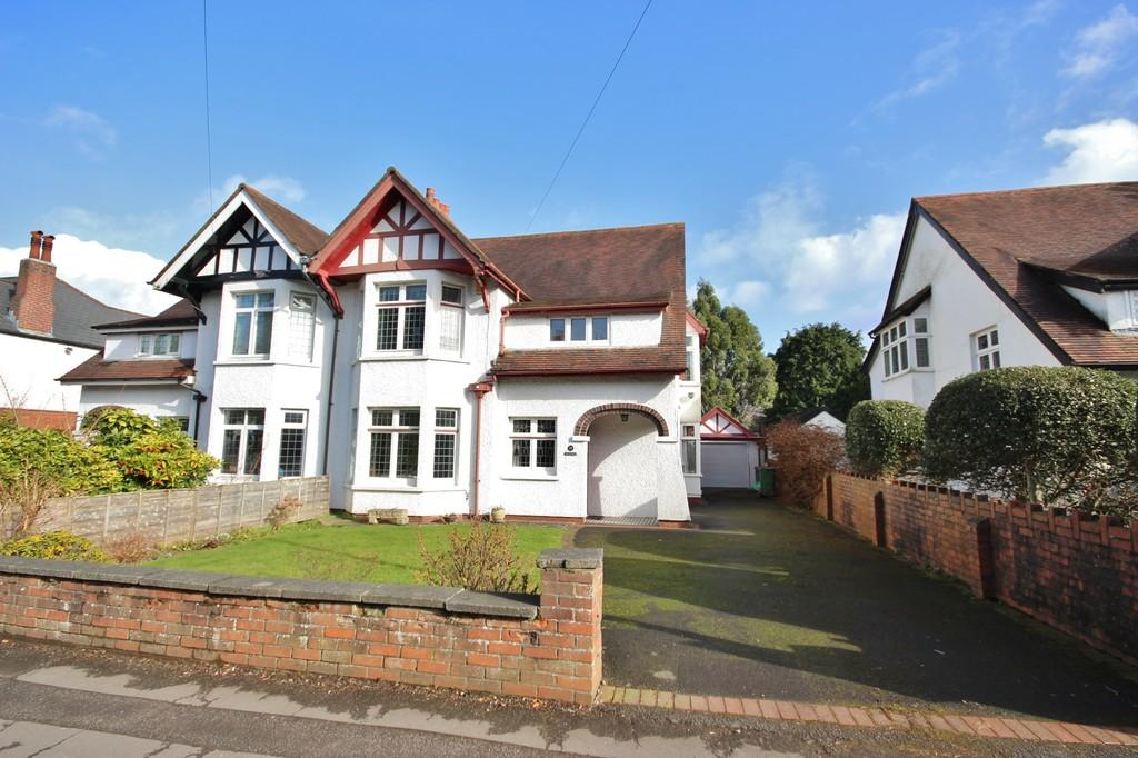 4 Bedrooms Semi Detached House for sale in Heol Isaf, Radyr , Cardiff