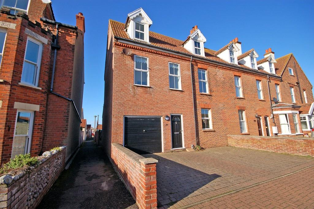 4 Bedrooms End Of Terrace House for sale in Morris Street, Sheringham