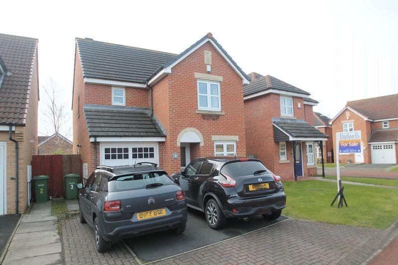 3 Bedrooms Detached House for sale in Dickens Court, Billingham