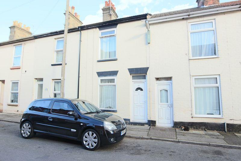 3 Bedrooms Terraced House for sale in Reeve Street, Lowestoft