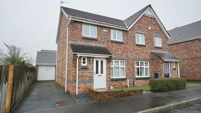 3 Bedrooms Semi Detached House for sale in Housesteads Gardens Longbenton
