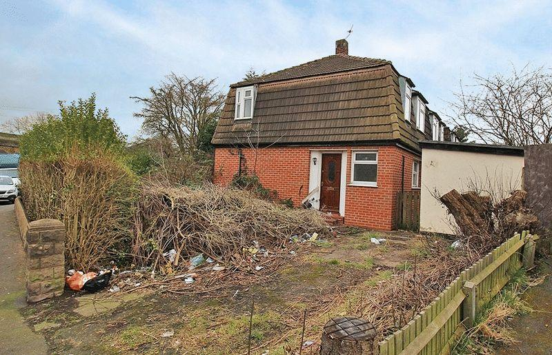 2 Bedrooms Semi Detached House for sale in Sangwin Road, Coseley