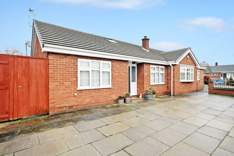 3 Bedrooms Detached Bungalow for sale in Hollyrood, Widnes