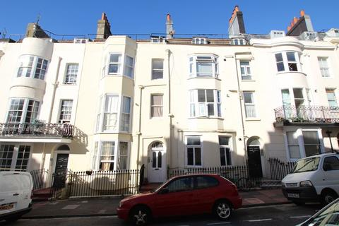 Studio to rent - Devonshire Place, Brighton