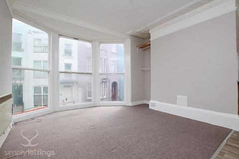 Studio to rent - Broad Street, Brighton