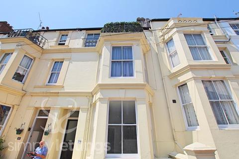 Studio to rent - College Road, Brighton