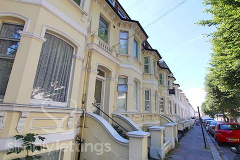 Studio to rent - Seafield Road, Hove