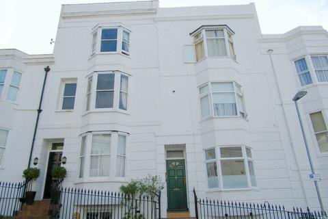 Studio to rent - Montpelier Street, Brighton