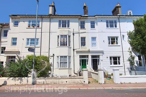 Studio to rent - Buckingham Place, Brighton